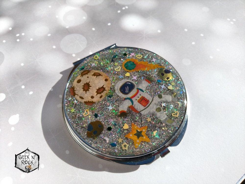 Miroir de poche cosmique
