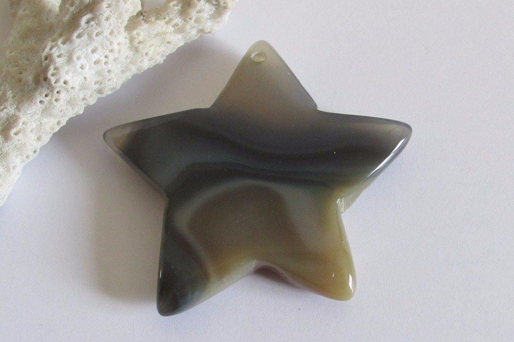 Pendentif étoile en agate