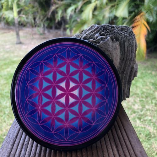 Plaque de rechargement en shungite fleur de vie 11 cm violette p3-n°5, purifie et recharge vos pierres, vos boissons...
