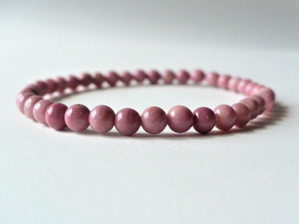Bracelet élastique en rhodonite rose naturelle. Perles 4-4,5 mm. Rose gemme pierre fine semi-précieuse véritable.