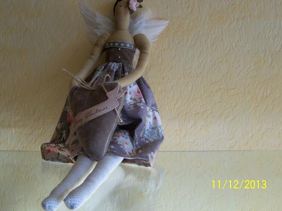 poupée décorative tilda réalisée en tissu TILDA