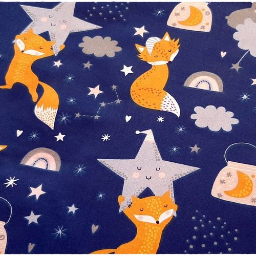 Tissu coton imprimé premium renards dormants avec les étoiles sur fond bleu marine oeko-tex
