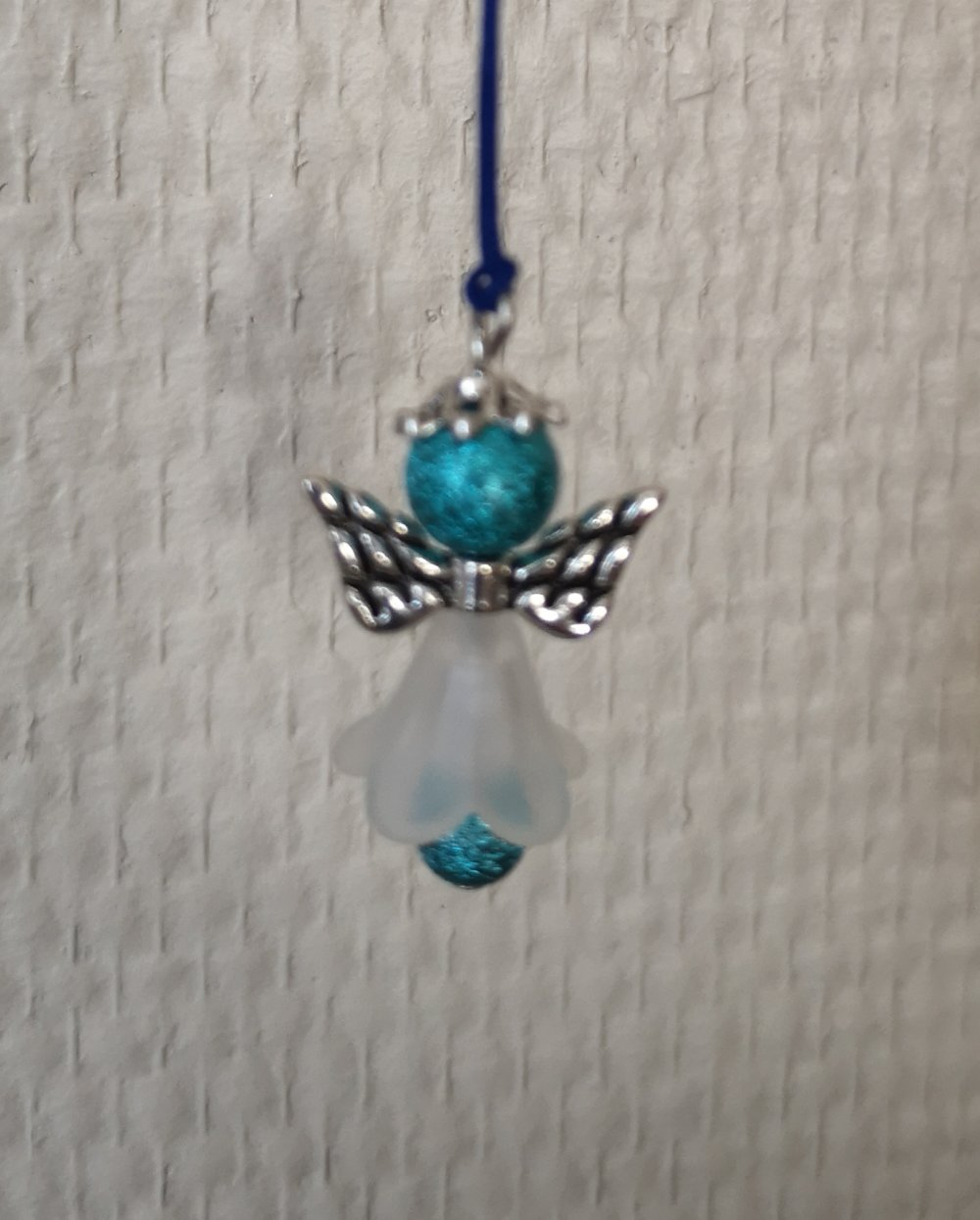 porte clef ou  bijou de sac/portable ANGE en perle BLEU TURQUOISE