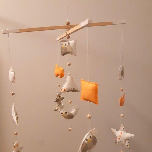 Mobile bébé,guirlandes en tissu, mobile enfant, décoration chambre bébé,  modèle unique