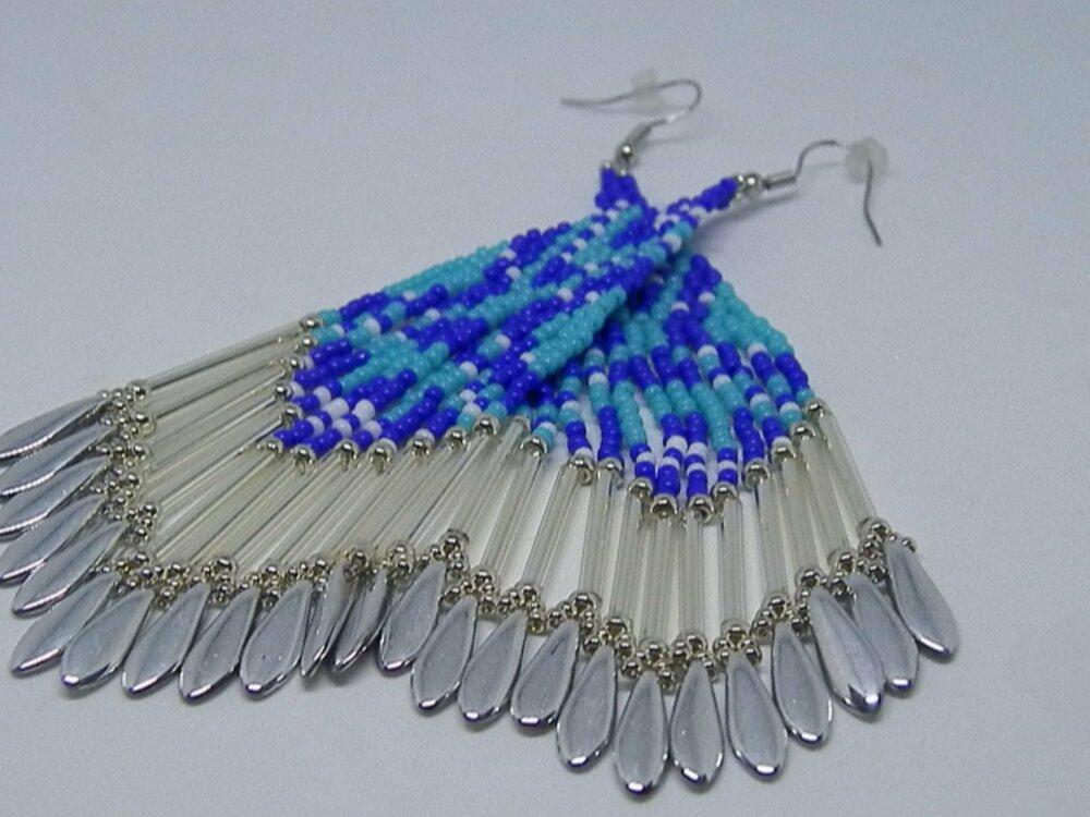 Boucles d'oreille tissées à l'aiguille marine, turquoise, blanc et argent