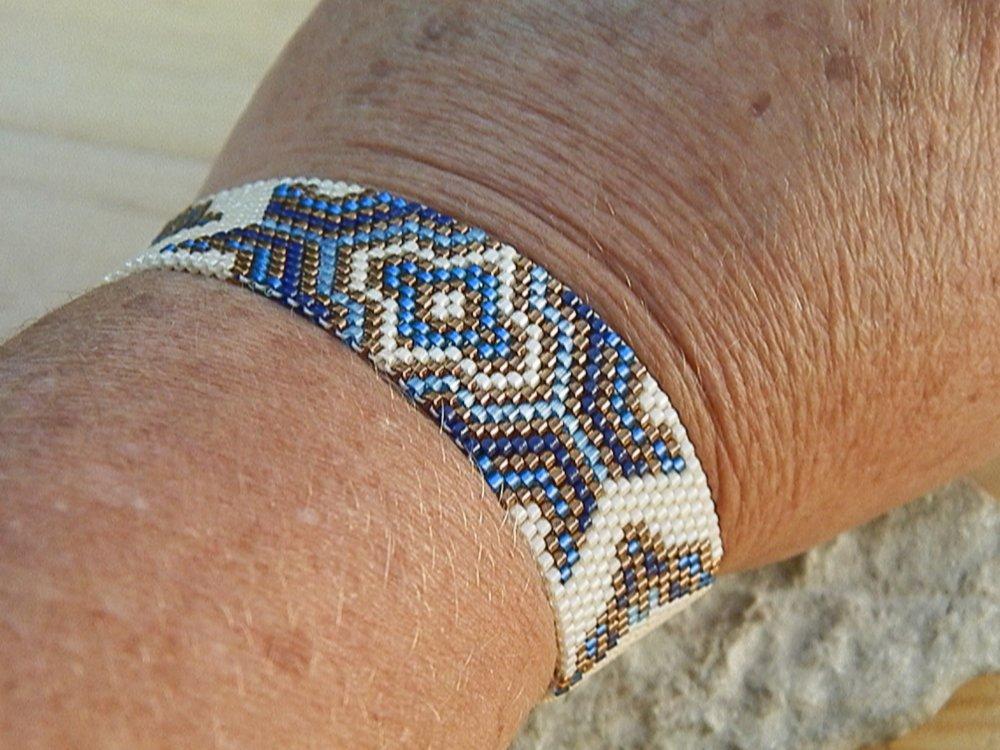 bracelet tissé bleu, écru et bronze