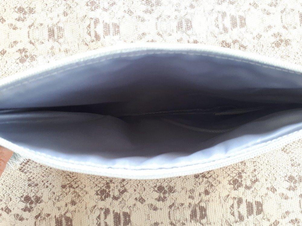 Pochette tissu et pompon