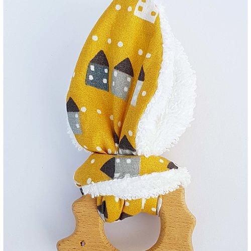 Anneau de dentition / hochet en bois oreille de lapin 'herisson maison'