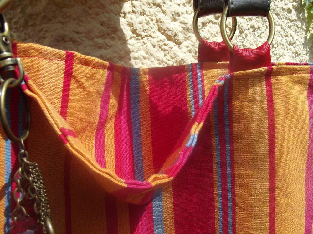 cabas de plage en tissu multicolore