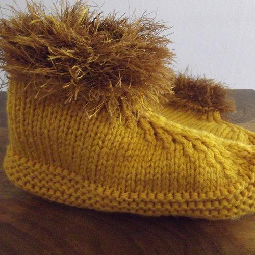 Chaussons en laine tricotés main taille 38/40 couleur moutarde