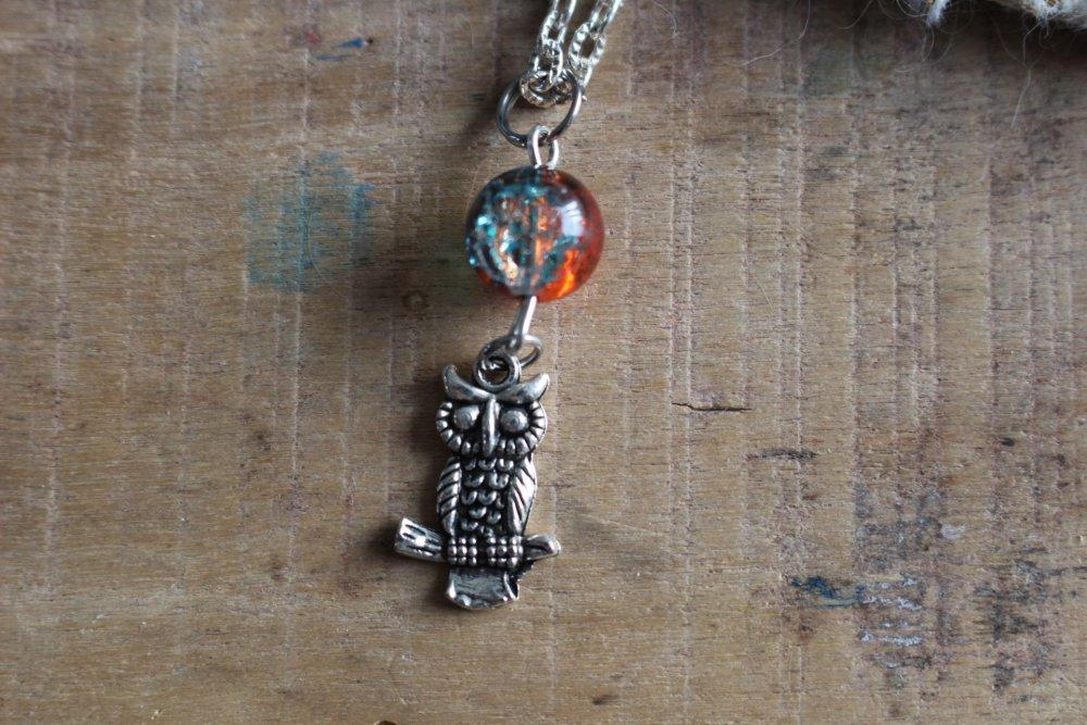 Collier - chouette sur sa branche , minimaliste, discret, couleur, fille, femme,  Cadeau à offrir ou à s'offrir