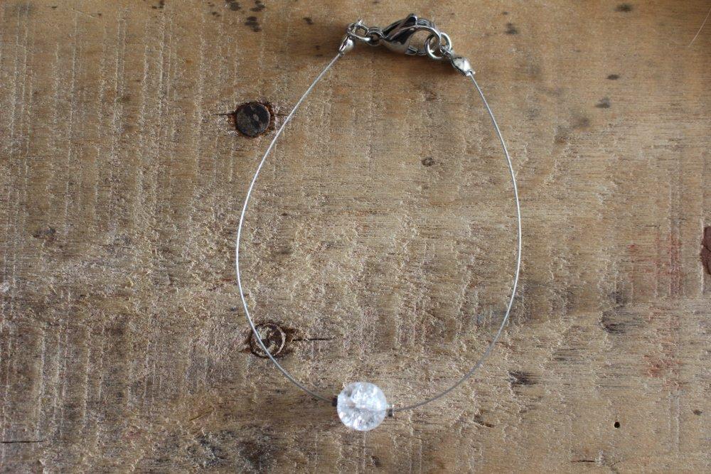 Accessoire Bracelet Perle transparente jolis reflets -Minimaliste Création à offrir ou à s'offrir