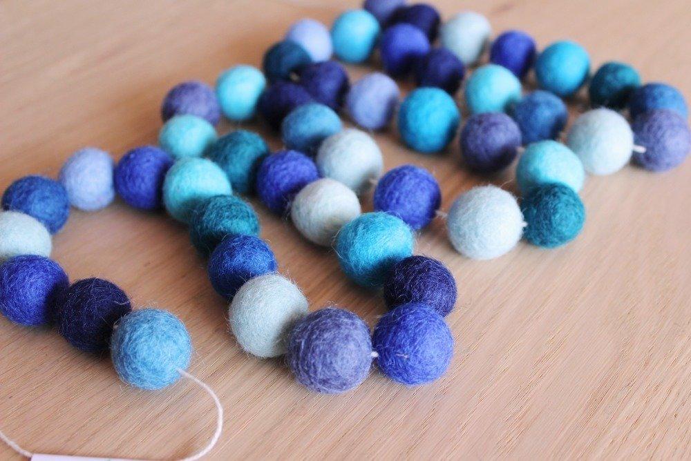 Guirlande pompons Bleus Taille Mini