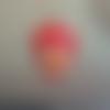 Cabochon en résine en forme de jeune fille coloris rouge