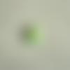 Cabochon en résine en forme de petit ourson coloris vert