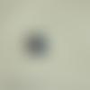 Cabochon en résine en forme de petit ourson coloris noir
