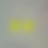 Lot de 2 boutons acryliques en forme de pomme coloris jaune