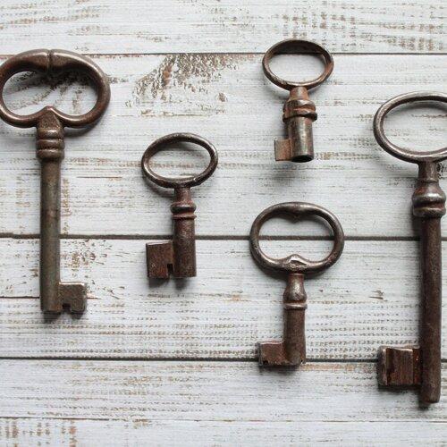 Lot surprise de 7 clefs de porte anciennes françaises, de tailles et modèles différents, début xxème et vintage,  1941sur