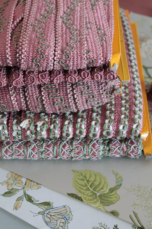 Galon Rose, vert et ivoire de passementerie, bordure d'abat jour,ornement rideau,embrasse à rideaux, passementerie française,2416