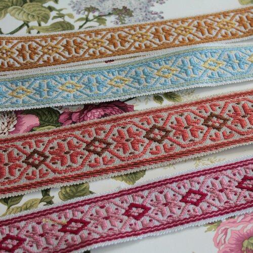 Galon médiéval jacquard tricolore à motifs géométriques 45mm sur 1 mètre 1.09y,