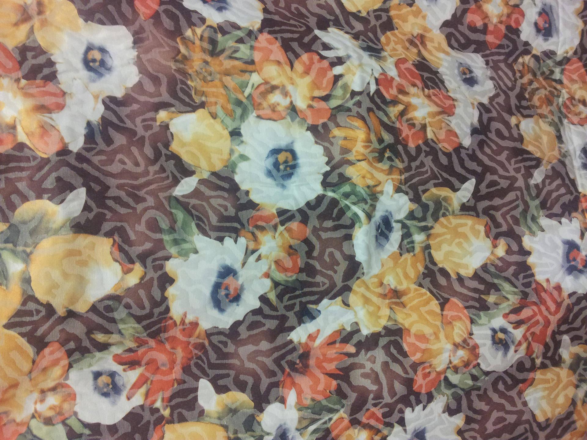 Elégant Coton au motif floral maronné