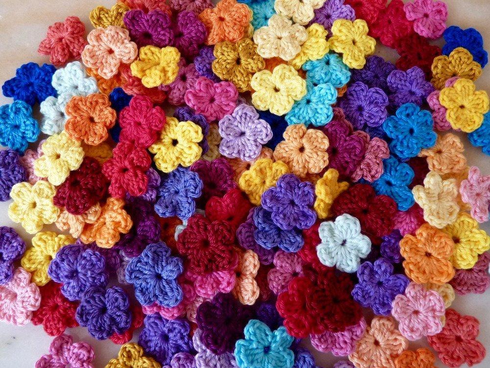 20 Mini fleurs au crochet