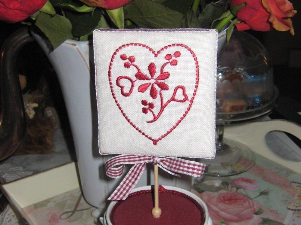 """Petit cadre """"coeur"""" monté sur un sceau en métal"""