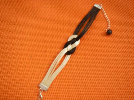 Bracelet nœud marin en cordon satiné