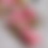 Pompon en suédine rose calotte plastique doré 10x37 mm x1