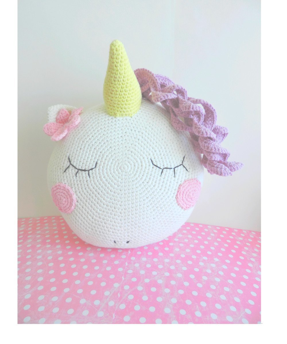 Coussin licorne, decoration chambre enfant, tete licorne, peluche  decorative, fait main, peluche idée cadeau anniversaire