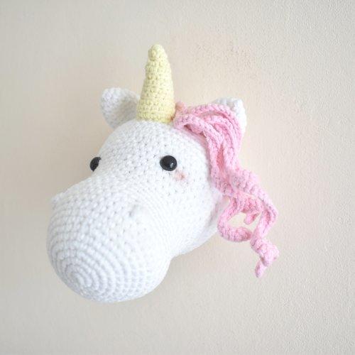 Trophée licorne, decoration chambre enfant, peluche decorative, fait main, idée cadeau anniversaire, fausse taxidermie, trophée animal