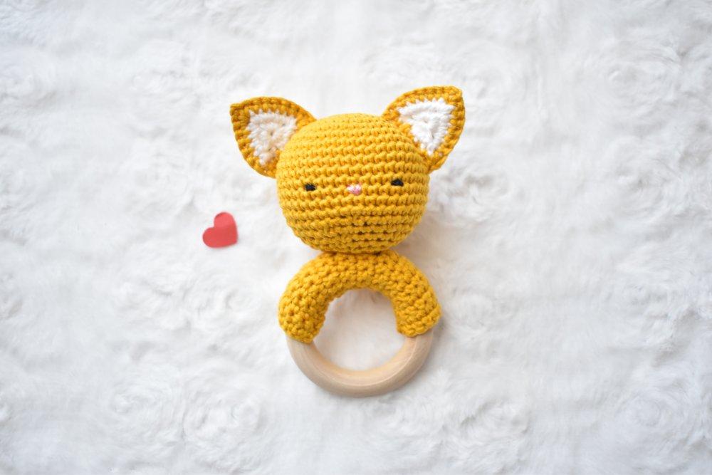 Sur commande Hochet chat coton, hochet dentition, cadeau naissance, fait main, grelot, jouet eveil,jaune moutarde