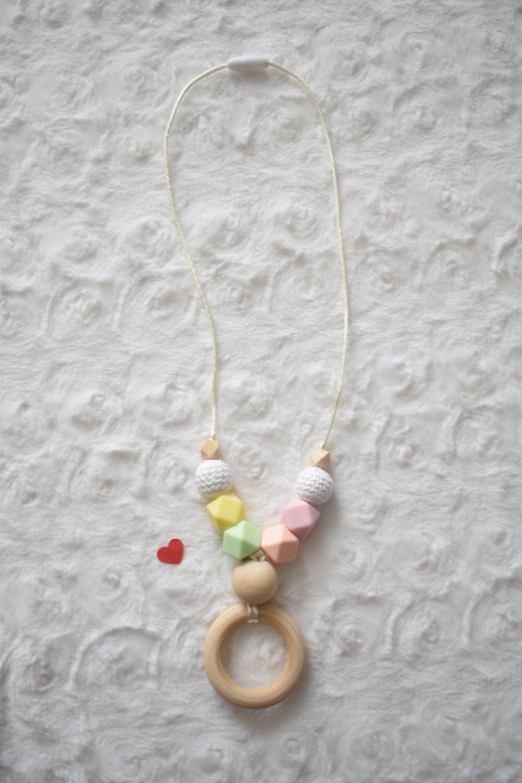Collier d'allaitement coton bio,bois non traité et silicone alimentaire, fait main, collier de portage,maman allaitante,cadeau naissance