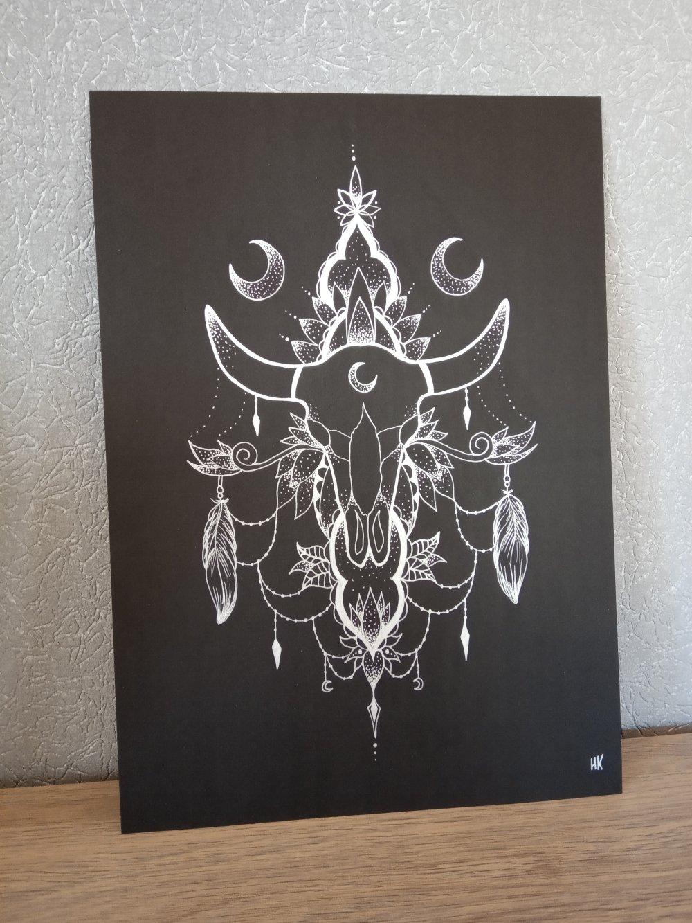Dessin original, crâne de buffle argenté sur papier canson noir, format A4.