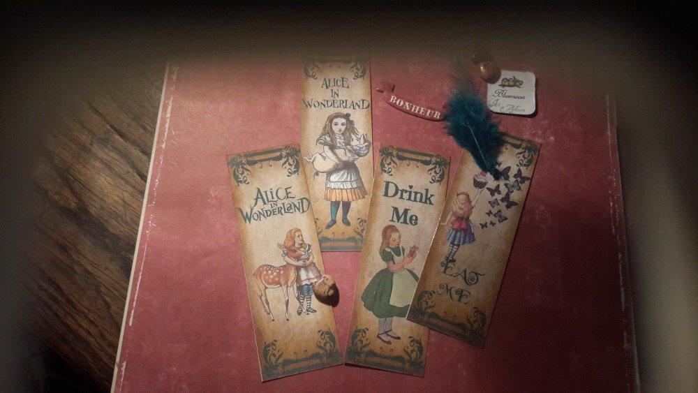 Lot 4 marque-pages papier plastifiés.  Exquise Alice aux pays des merveilles.  Alice in wonderland.  Enfants. Papeterie.  Cadeau.