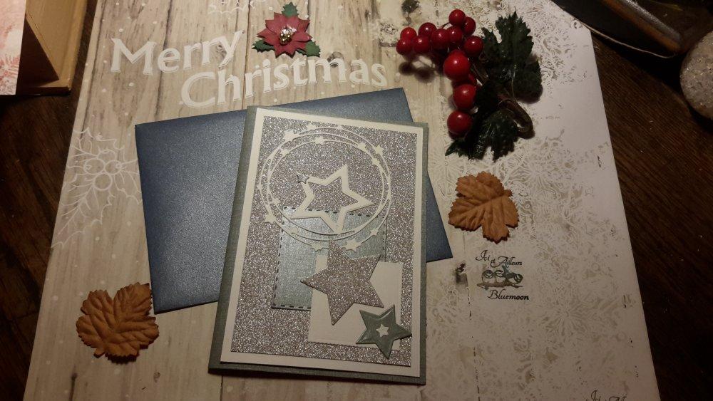 Carte double et enveloppe, nouvelle année, embellissements, tags, découpes. Scrapbooking, carterie. Papeterie. Noël