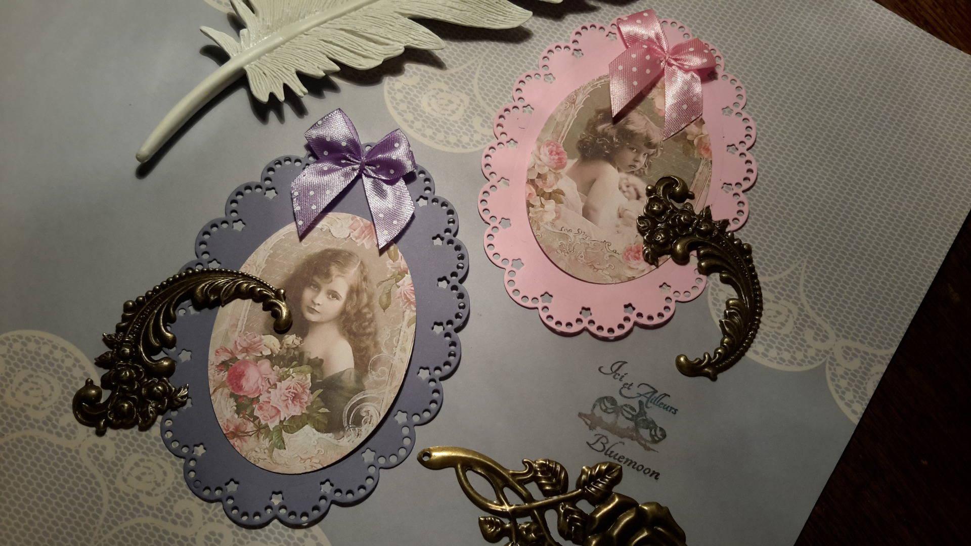 Lot 2 petites cartes et enveloppes,  die cut, grands embellissements,  création de cartes , enfants vintage. Noeud satin. Scrap