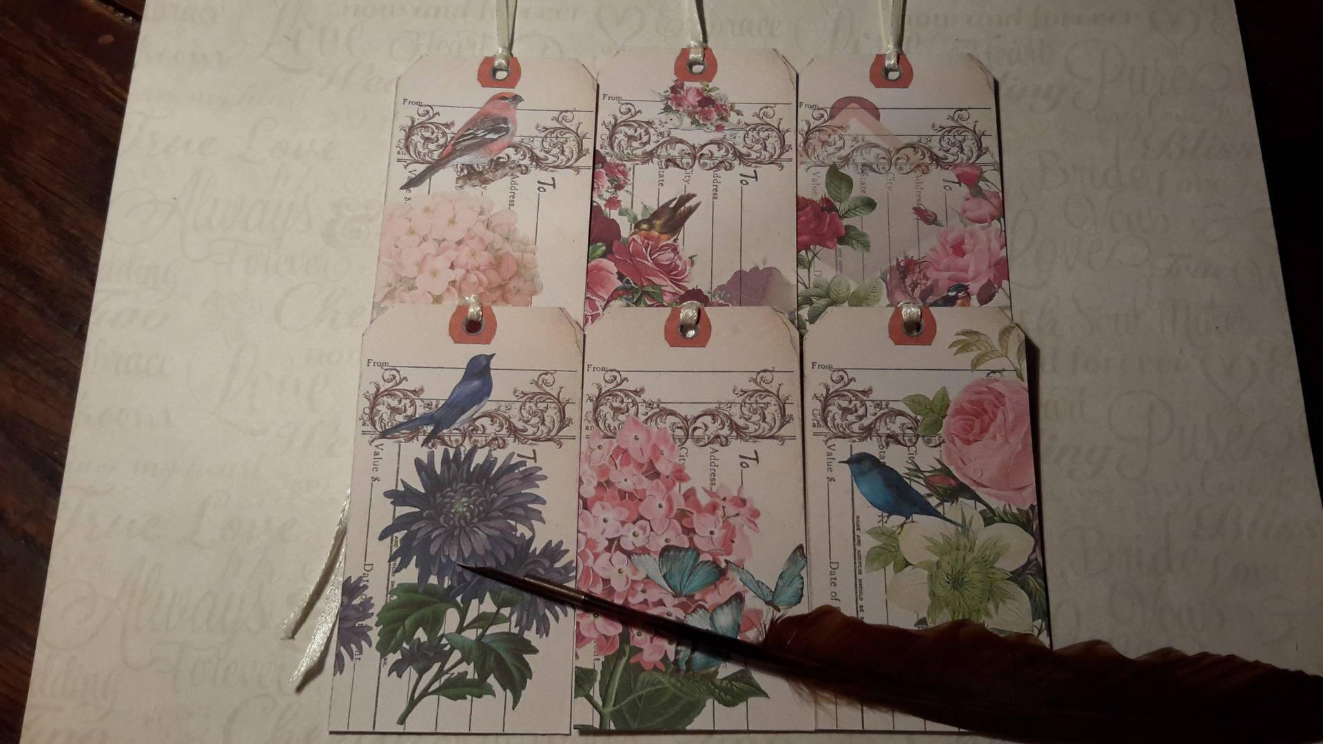 Lot  de 6  grandes étiquettes + liens satin. Fleurs anciennes, oiseaux, arabesques shabby chic.
