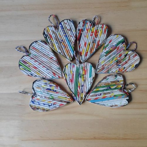 Cœur en tubes de papier à accrocher partout