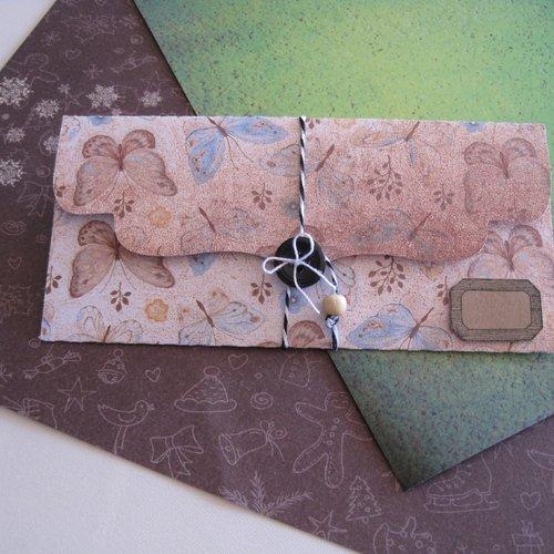 Pochette cadeau, emballage bijou, etiquette kraft, pochette papillons