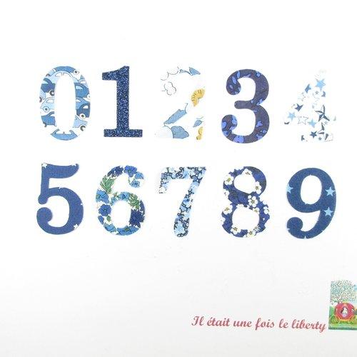 Appliqués thermocollants chiffres vendus à l'unité 0 1 2 3 4 5 6 7 8 9 (3 cm de hauteur) en tissus liberty bleu marine