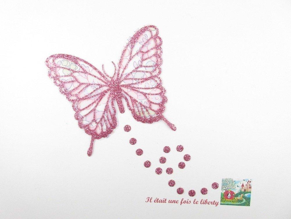 Appliqué thermocollant papillon en liberty Betsy buvard et tissu pailleté rose pâle