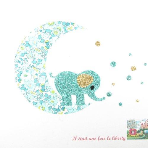 Appliqués thermocollants éléphant sur une lune qui attrape des étoiles en tissu liberty bétsy ann vert chèvrefeuille et flex pailleté
