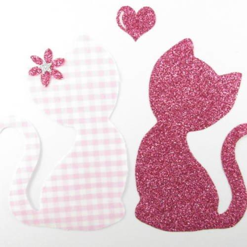 """Appliqués thermocollants chats en vichy rose et tissu pailleté, """"couple de petits chats amoureux""""."""