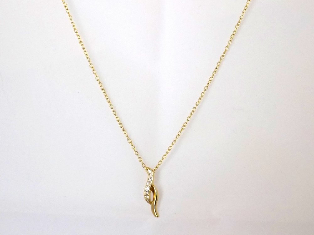Collier chaîne dorée pendentif strass