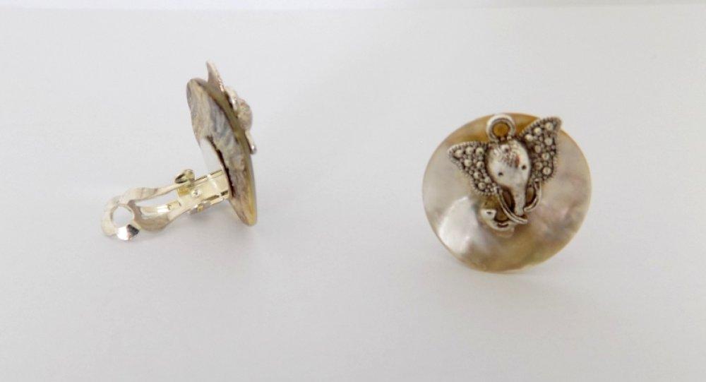 Boucles clips bouton de nacre éléphant argenté