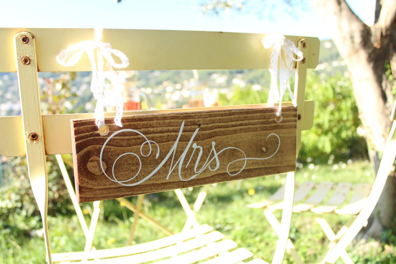 """Dossiers de chaises """"Monsieur"""" et """"Madame"""", mr et mrs,décoration de mariage."""