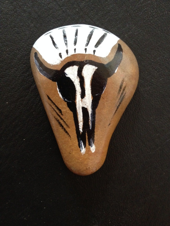Pierre medecine peinte à la main - skull - ref: skull 2