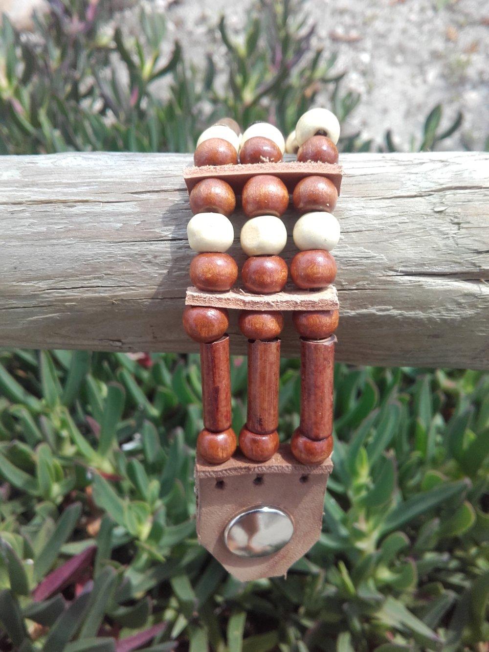 Bracelet Amérindien, 3 rangs, perles bois : Ref : B 278
