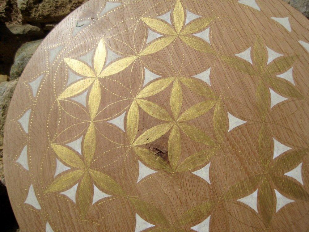 Fleur de Vie Lumière dorée. chêne 38cm env.